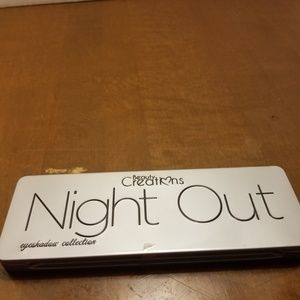 Beauty Creations Night Out palette